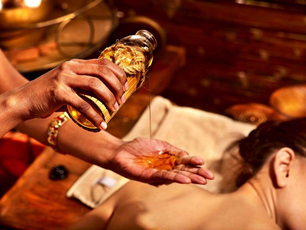 Abhyanga - Massagem com óleos medicinais